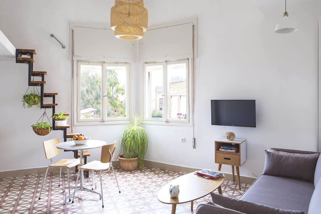 Beautiful and comfortable - right on the most central spot in TLV