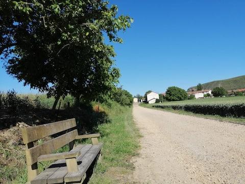 Casa de campo con jardín en el Camino de Santiago