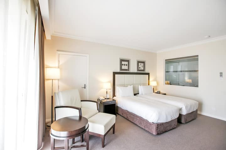 Family Room at Century Inn Traralgon