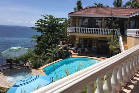 Seaside Villa Tabogon Cebu(Villa 1) - Talo