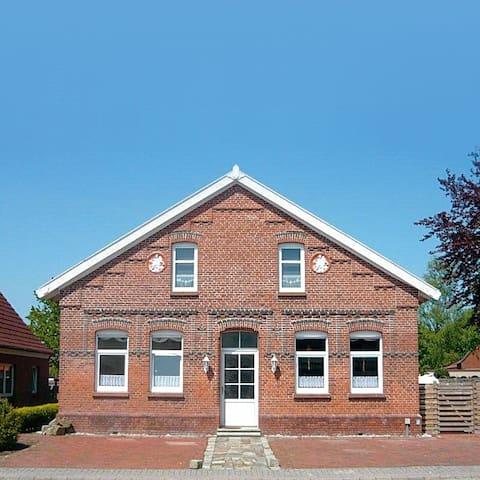 Ferienhaus Mühlenvilla, max. 16 Pers., mit Garten - Moormerland - Casa