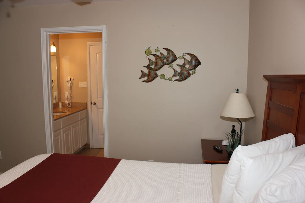 Another view of the bedroom i