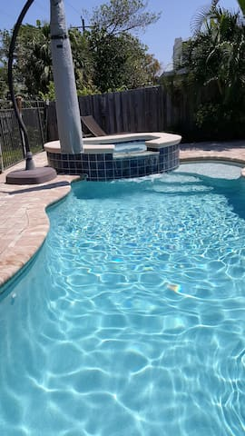 Beach House w Private Pool and Spa - Jensen Beach - Ev