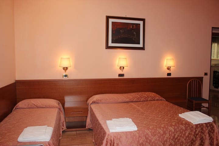 Hotel Aristotele Quadruple Room III