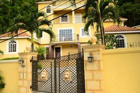 palm luxury villas - Kingston - Apartamento