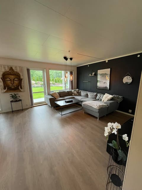 Apartment  in beautiful surroundings 15min to city