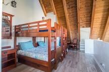 Spacious loft with bunk beds (sleeps 4)