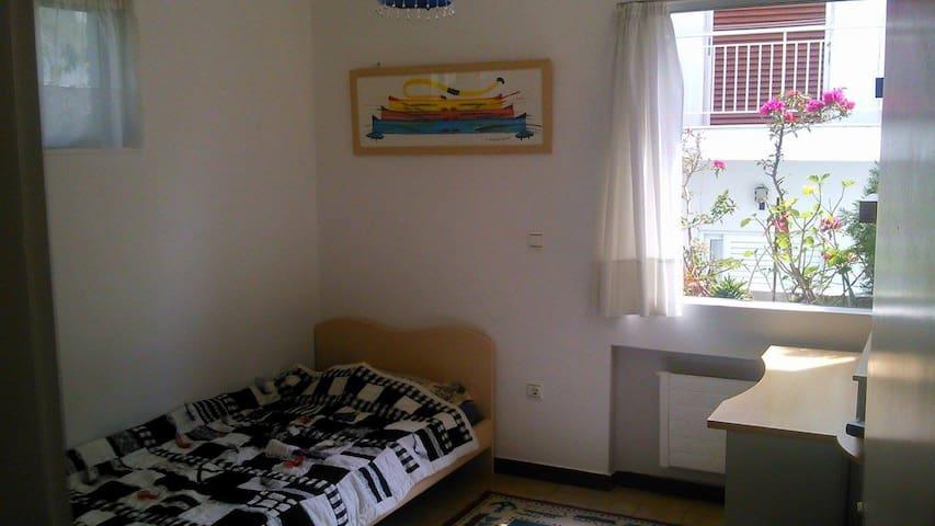 Floor apartment south - athens - Διαμέρισμα