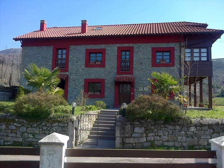 Sele I - Casa d'Aldea Asturias B&B