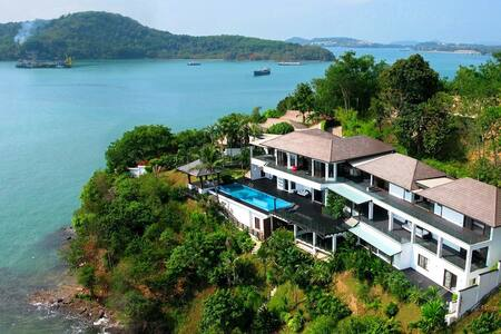 Hollywood - Oceanfront Super Villa