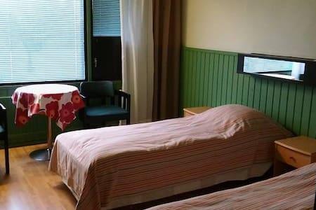 Huoneita keskustassa, huone 1 - Paltamo