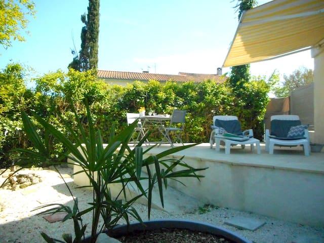 Nid cosy jardin/terrasse sans vis-à-vis, buanderie