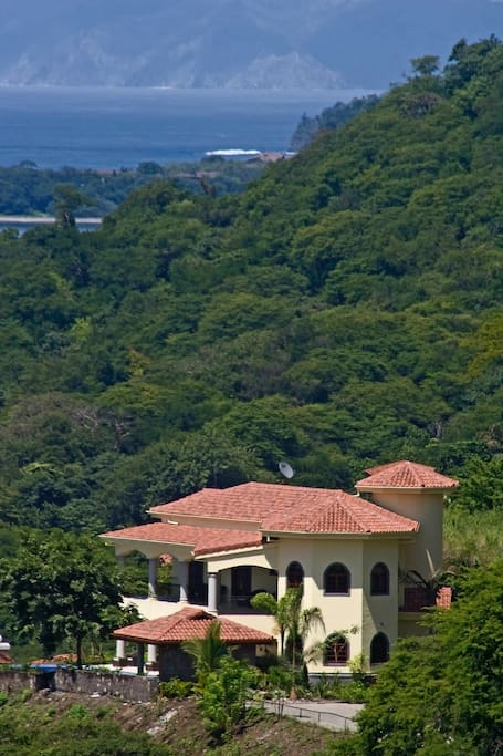 Villa rosewood with chef included houses for rent in for Costa rica house rental with chef