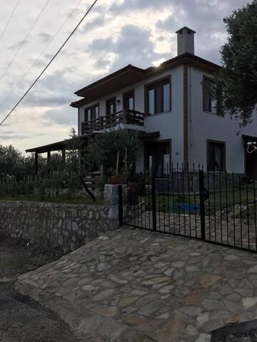 Bahçedere Köyü Home with a View
