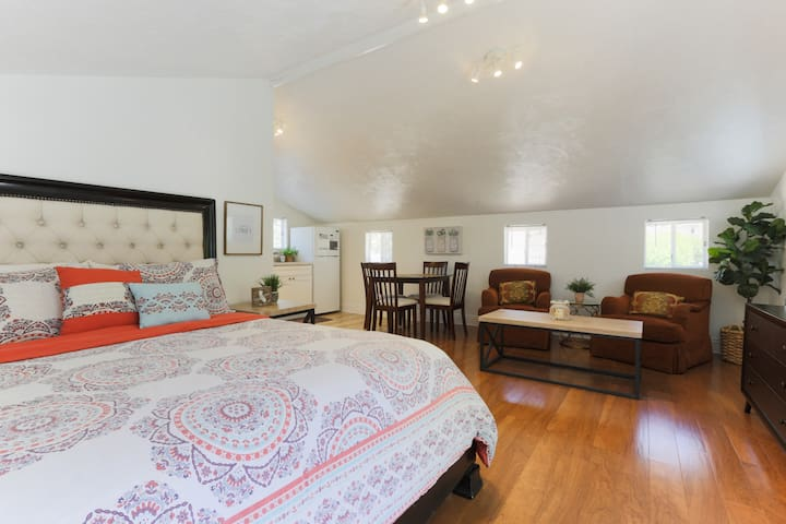 Calvin Farms Upstairs Suite