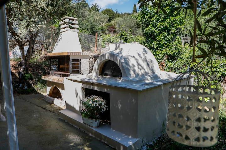 Liostasi private family cottage house in Argostoli