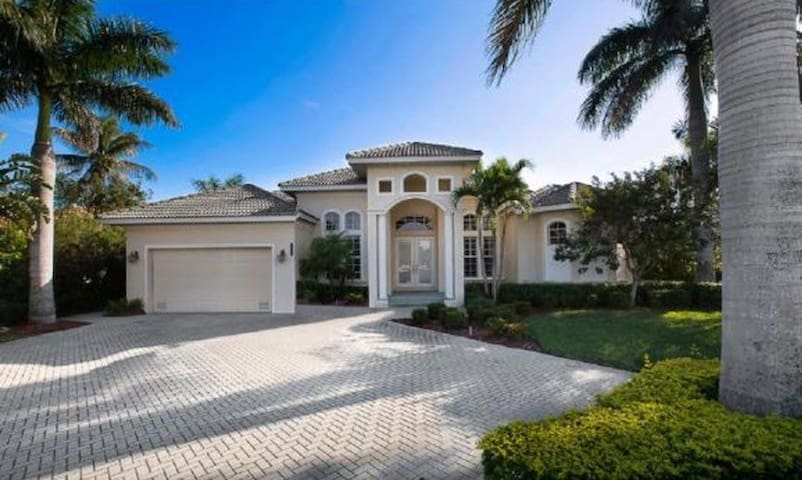 Waterfront Paradise Home in Marco Island, Florida!
