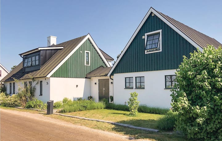 Stunning home in Höllviken with WiFi and 2 Bedrooms