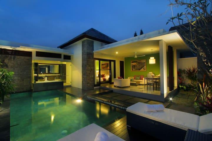 Central Seminyak Luxury Villa - Seminyak - Hus