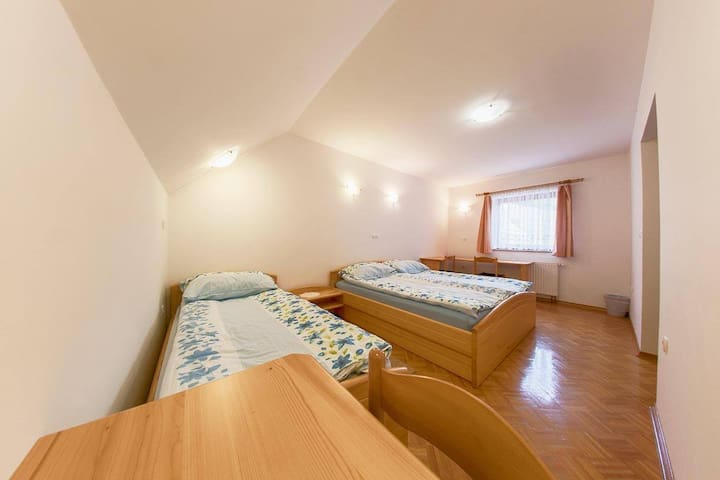 Farm Stay Loger - Triple Room