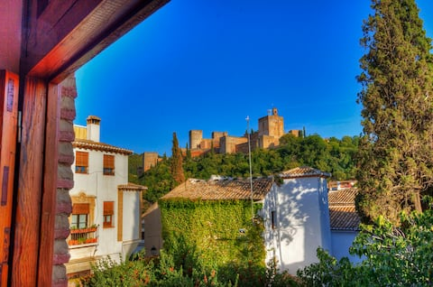 Breathtaking Alhambra View balconies, Albayzin