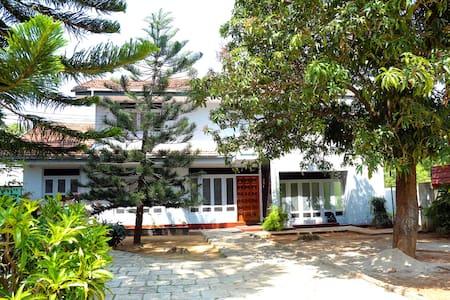 Crossette Villa - Jaffna - Дом
