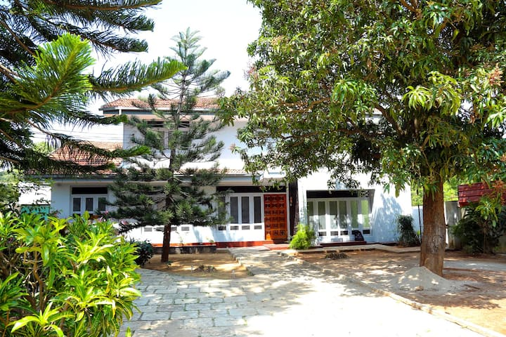 Crossette Villa