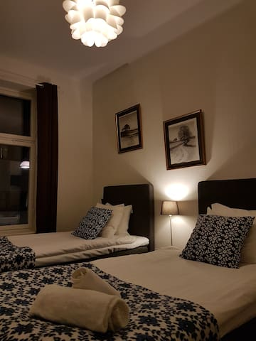 A Marican Hostel: Basic room, double bed (#204)