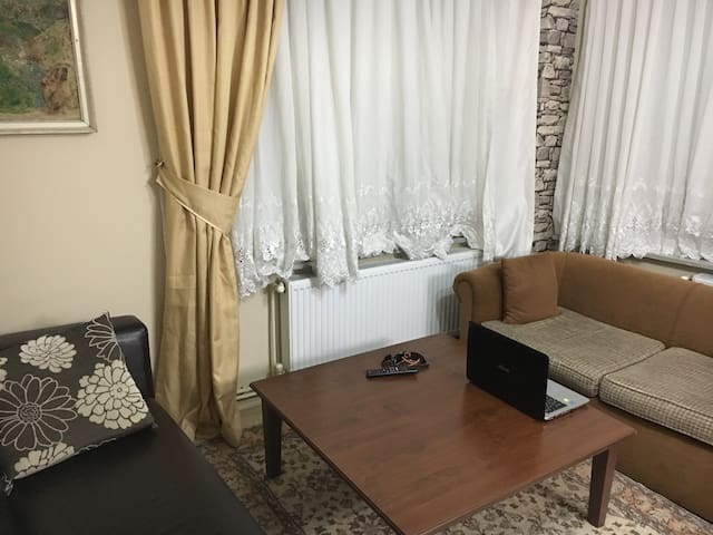 2 min to Bosphorus.Great Location. - Sarıyer - Apartmen