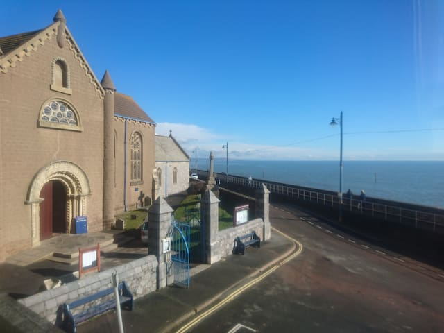 Seafront accommodation in Teignmouth