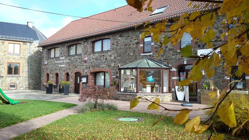 """""""Appartement"""" Auberge du Lac - Robertville - Apartamento"""