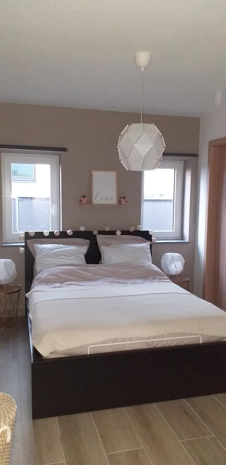 Logement privatif 2 chambres dans maison neuve.