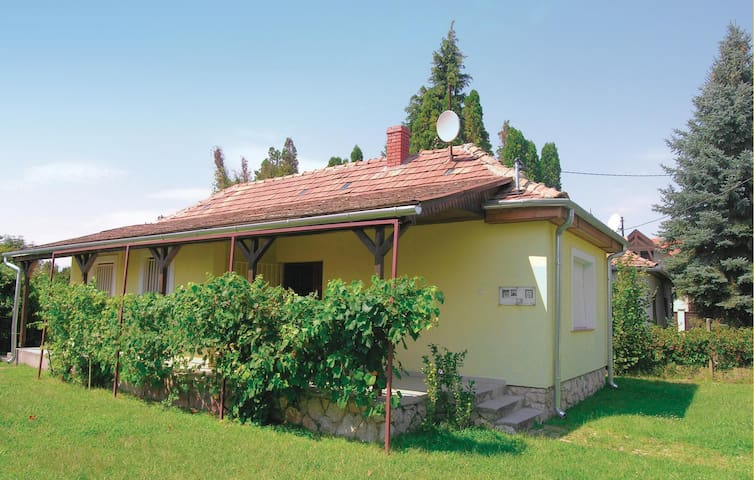 Holiday cottage with 2 bedrooms on 60m² in Balatonfenyves