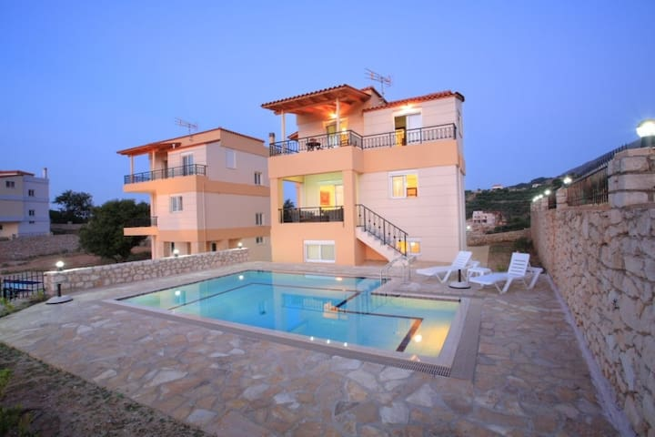 3 Bedr villa, studio,  great view to Kournas lake - Kournas