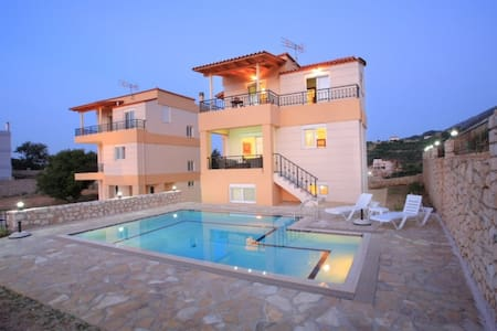 3 Bedr villa, studio,  great view to Kournas lake - Kournas - Vila