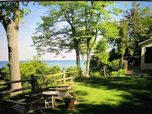 Perfect Lake Michigan views, sleeps up to 24! - Harbor Springs - House