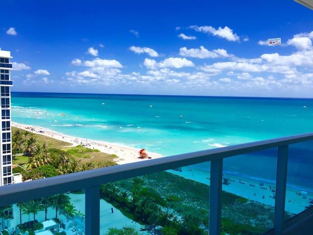 Luxury Oceanfront Studio with balcony