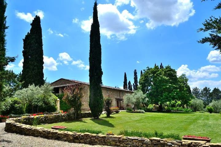 Tuscan Villa & swimming pool - up to max 16 guests - อาเรซโซ่