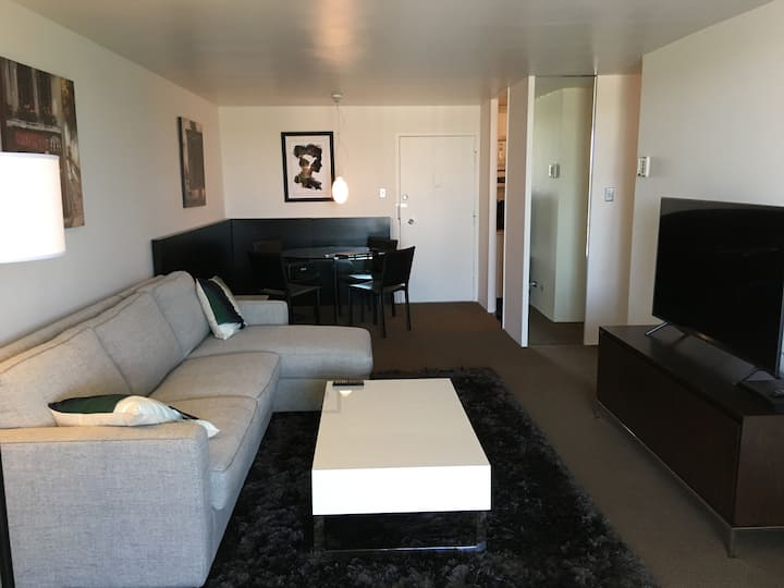 Beautifully Renovated 1 bedroom in Quiet Community