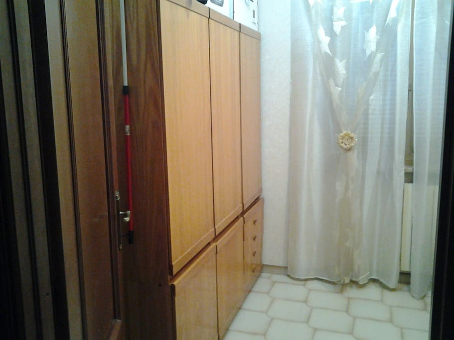 Wardrobe small single room