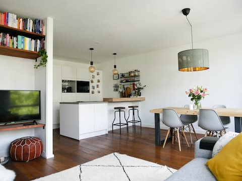 Stylish apartment @the heart of hip Amsterdam East