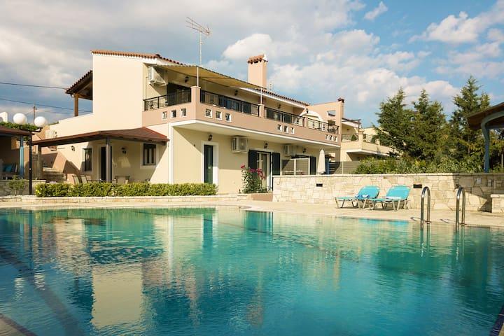 Terra Relaxa @ Loutraki - Cosy apt with 2 verandas