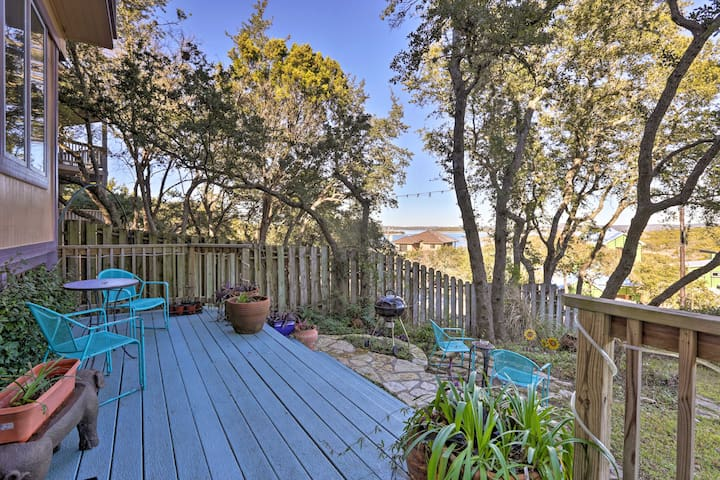 Just minutes from Canyon Lake, enjoy views of its sparkling waters from here!