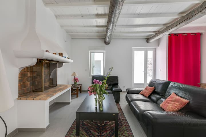 Comfortable Holiday Home in Montouliers near Bize-Minervois