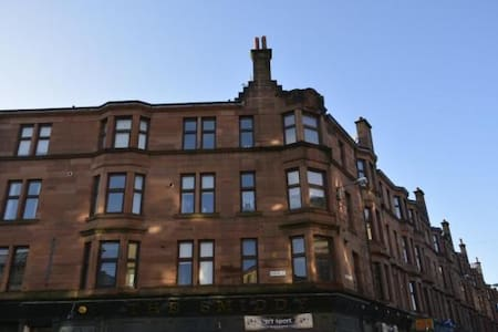 Traditional Glasgow Tenement - Glasgow - Apartamento