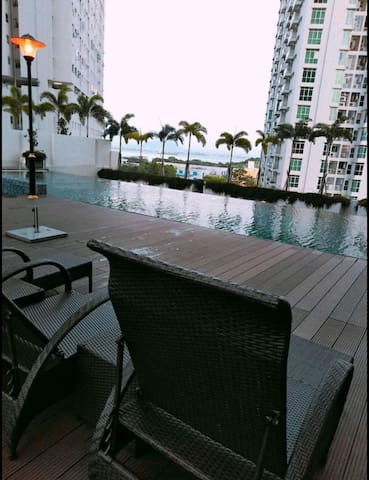 Lavender Sea View Suite