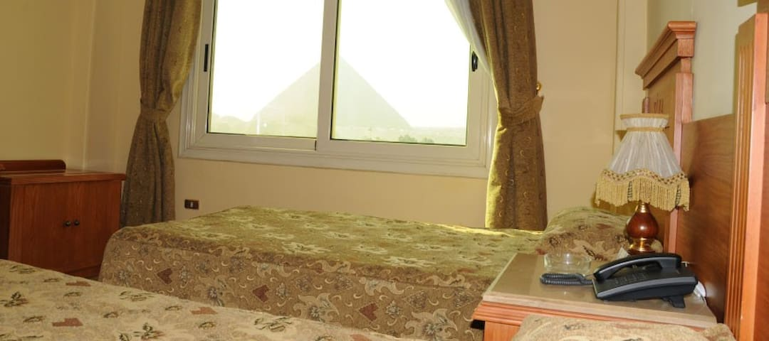Private Room with Pyramids View included breakfast