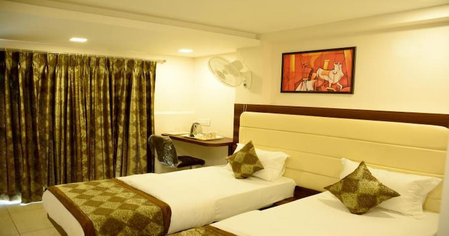 Superior Private Room @ Lime Tree, Jamnagar