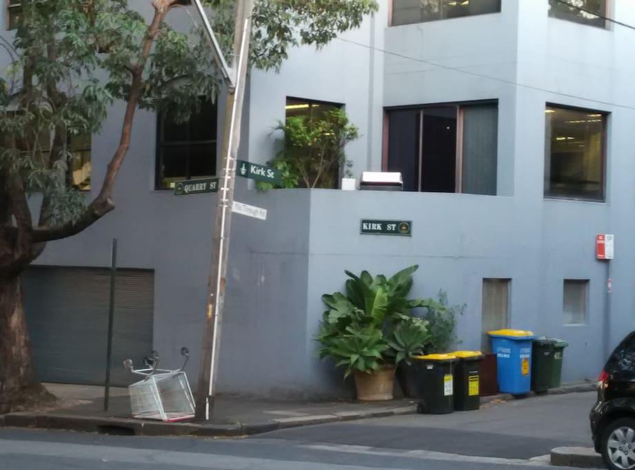 street, close to Quarry street