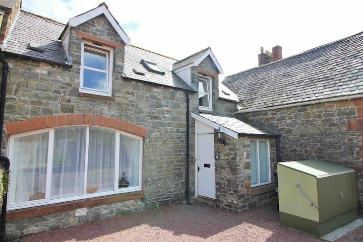 Mews Lane Cottage Sleeps 4, free fibre wi-fi
